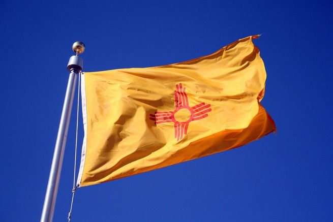 New Mexico Wins Best State Flag Well It S An Ancient Sacred Symbol From An Ancient Indigenous Pe New Mexico Flag New Mexico Albuquerque New Mexico Style
