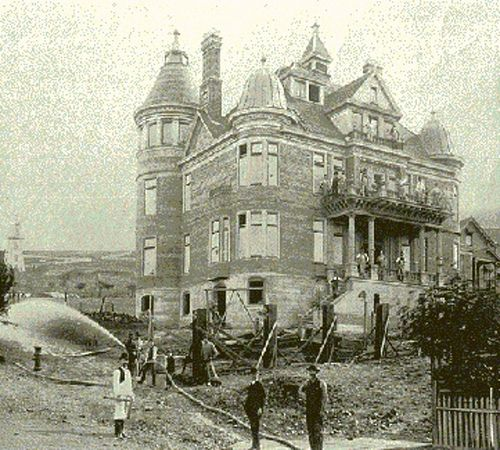 The 1906 earthquake and fire destroyed nearly all of the mansions on Nob Hill while this one remained standing with only a few toppled chimneys.