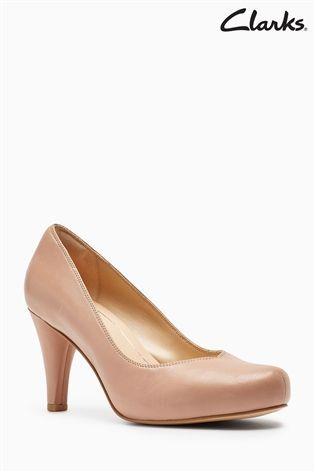 Clarks Nude Leather Dalia Court Shoe 60