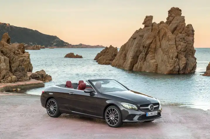 Best Luxury Cars Top Rated Luxury Cars And Suvs For 2020 Edmunds Best Luxury Cars Benz C Mercedes Benz Convertible