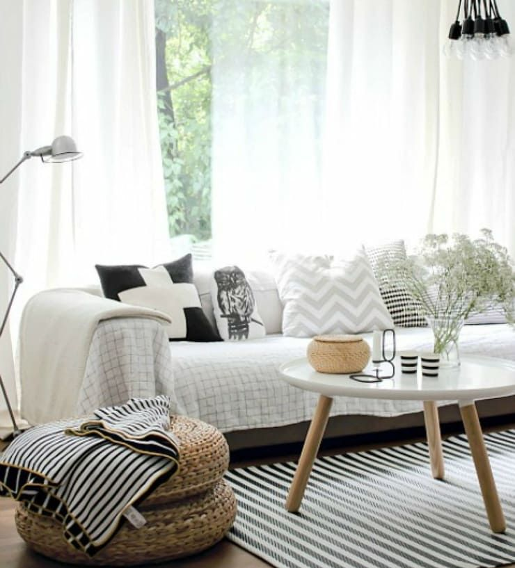 85 M² DE ESTILO NÓRDICO  Blanco y lleno de luz. Así es este apartamento de la ciudad de Malmö. Un lugar donde reina la sencillez y donde las líneas rectas y depuradas se combinan con suaves curvas para conseguir un aspecto limpio y espacioso. Apartamento en Malmö | Ventas en Westwing