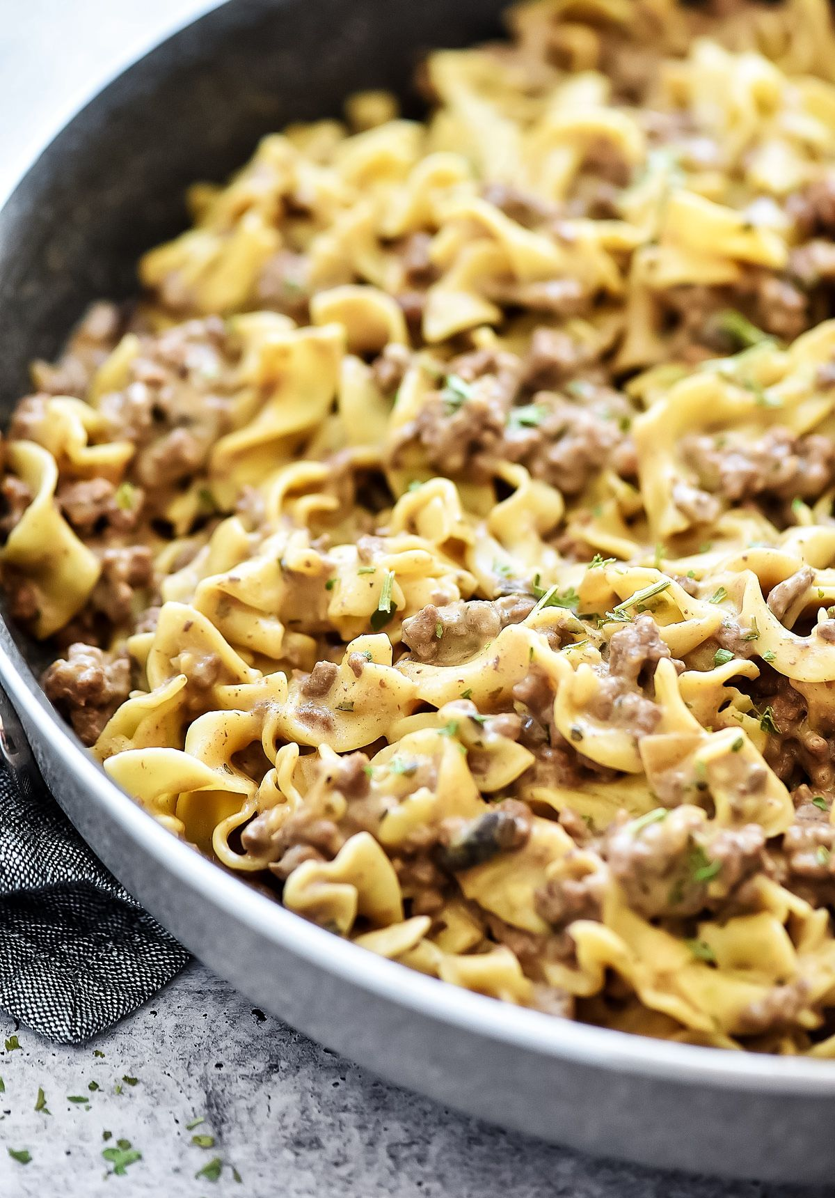 Easy Beef Stroganoff Is Filled With Ground Beef And A Mushroom Sauce Served Over Egg Noodles Life In The Lof In 2020 Beef Stroganoff Easy Beef Stroganoff Beef Recipes