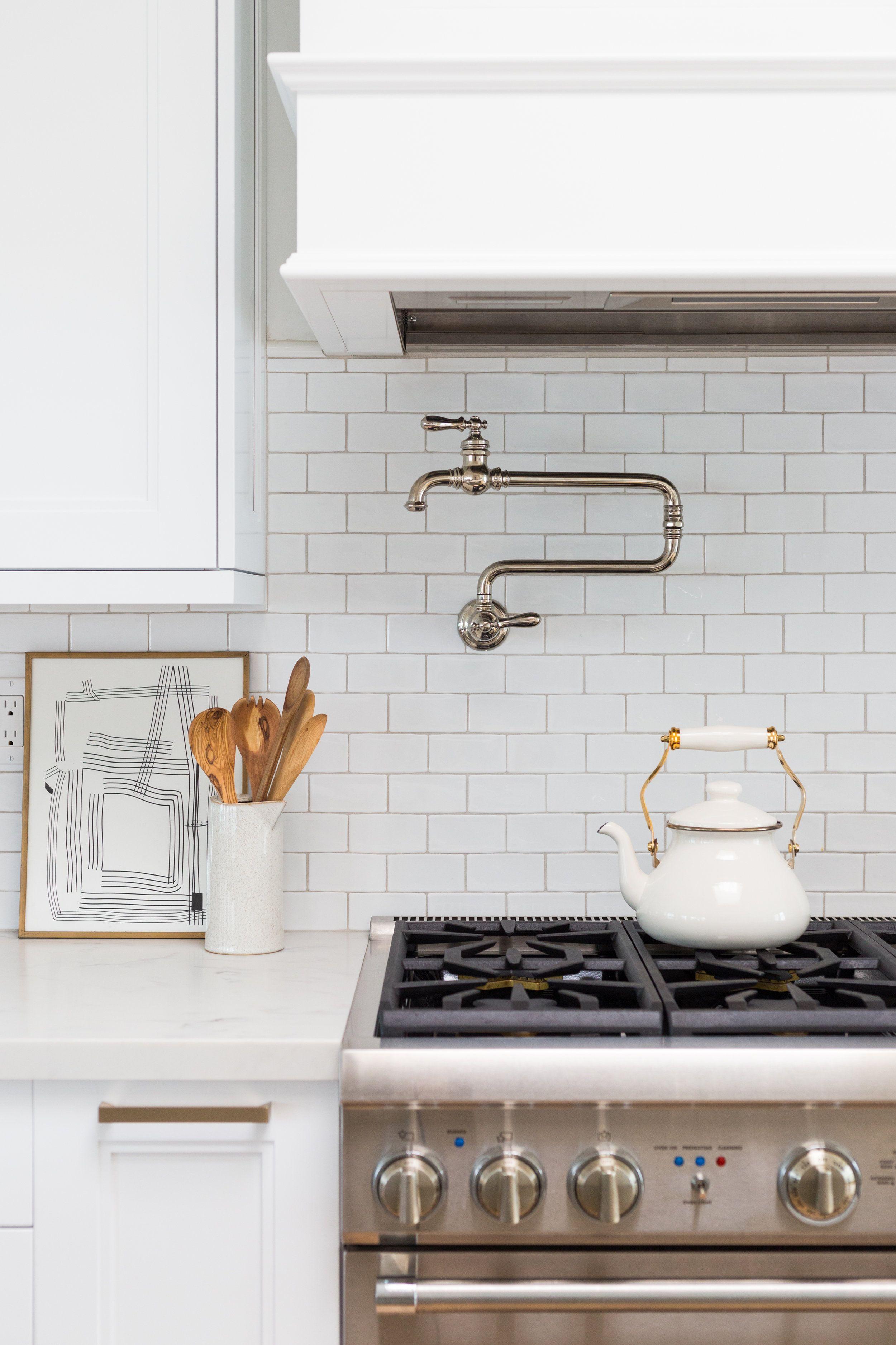 Beautiful Kitchen Design In 2020 White Modern Kitchen White