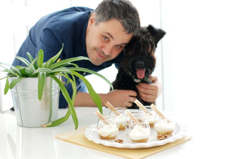 Vasitos de yogur griego y miel
