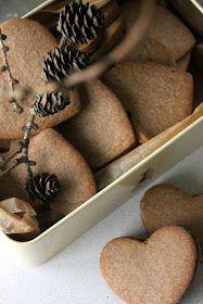 CookieCrumble: Crispy Cinnamon Cookies