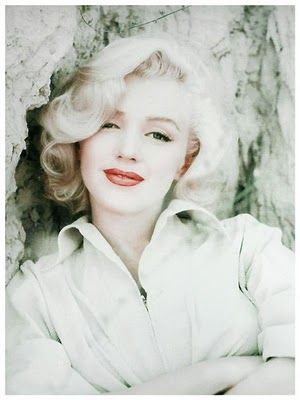 Marilyn Monroe crystal white