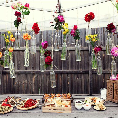 Blumen in flaschen aufh ngen boho wedding wedding wedding decorations bridal shower - Polterabend deko ideen ...