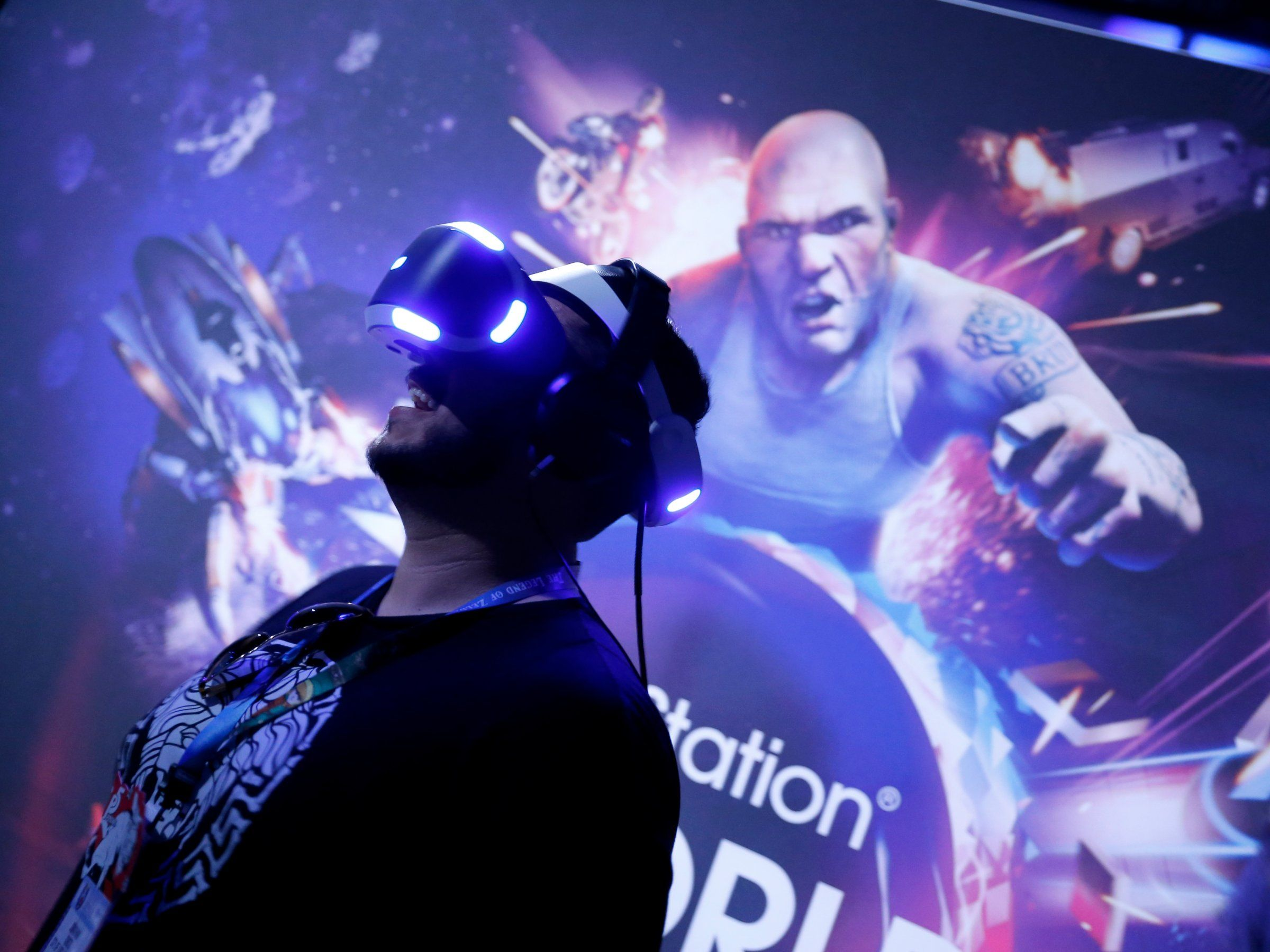 Sony says PlayStation VR is like watching movies on a 226-inch television screen