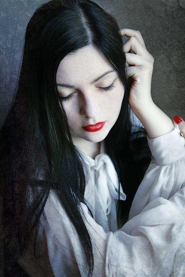 Medea By Dream Traveler On Deviantart Black Hair Pale Skin Dark Hair Pale Skin Hair Pale Skin