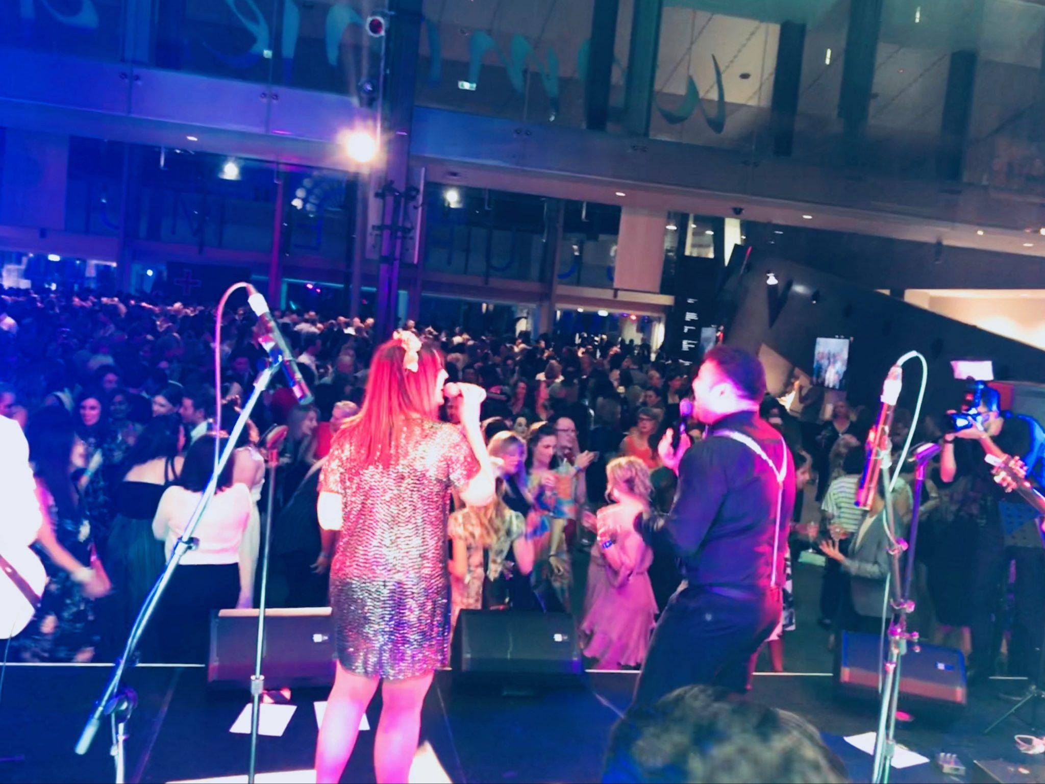 Arrange For The Wow Wedding Entertainment In Melbourne Wedding Entertainment Heatwave Band Marriage