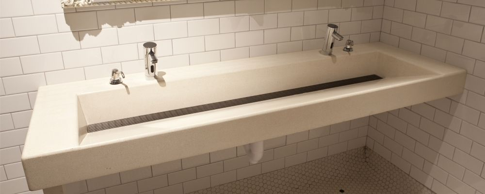 Concreteworks Commercial Slope Sink With Grate Sink All White