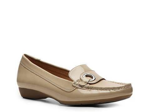58a3113d8eb1 Naturalizer Gordie Patent Moc Flats Women s Shoes - DSW