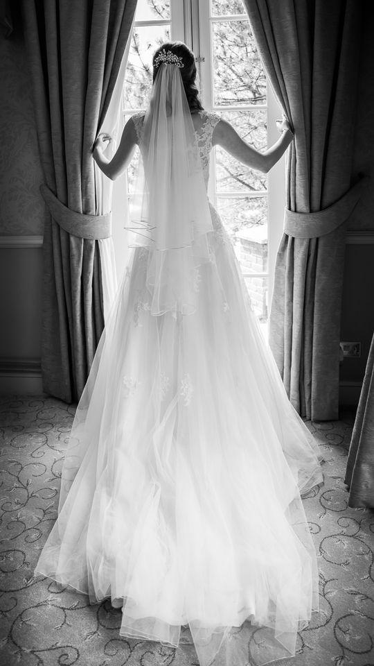#bride#weddingphotography #decourceysmanor #cardiffwedding #wedding #silhouette
