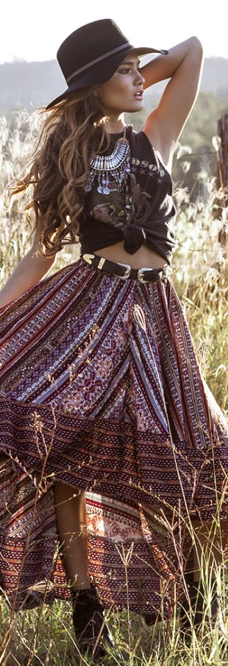 ╰☆╮Boho chic bohemian boho style hippy hippie chic bohème vibe gypsy fashion indie folk the 70s . ╰☆╮ #bohem style hippie