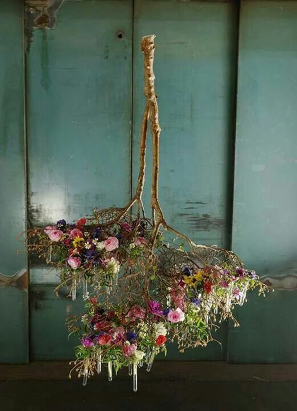 13 Photos That Prove You Need Hanging Centrepieces