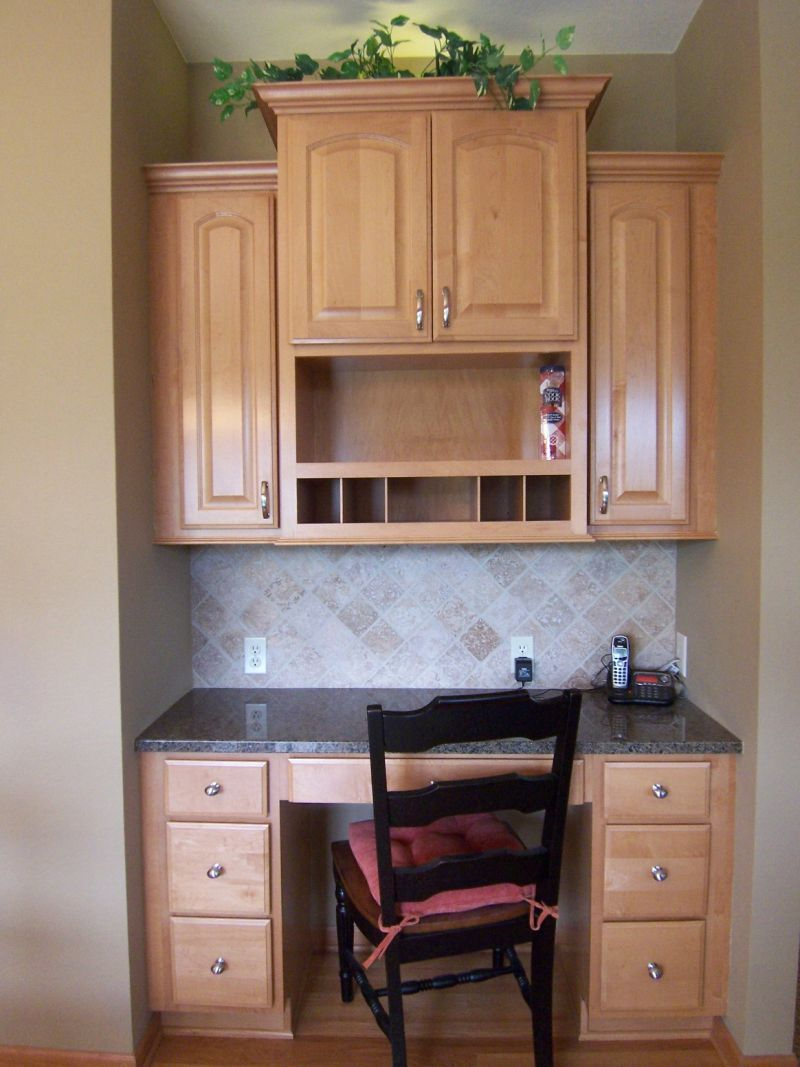 Versailles Kitchen Planning Desk R Jpg 800 1 067 Pixels Kitchen Plans Kitchen Desks Kitchen Desk Areas