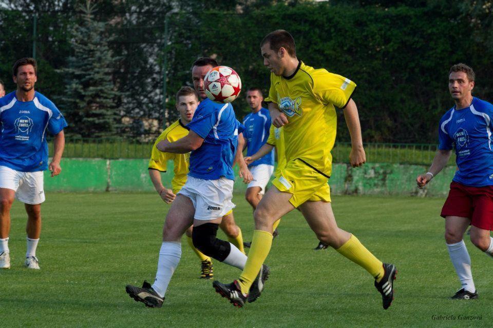 Hráči HC ´05 to vedia aj na futbalovom trávniku + FOTOGALÉRIA
