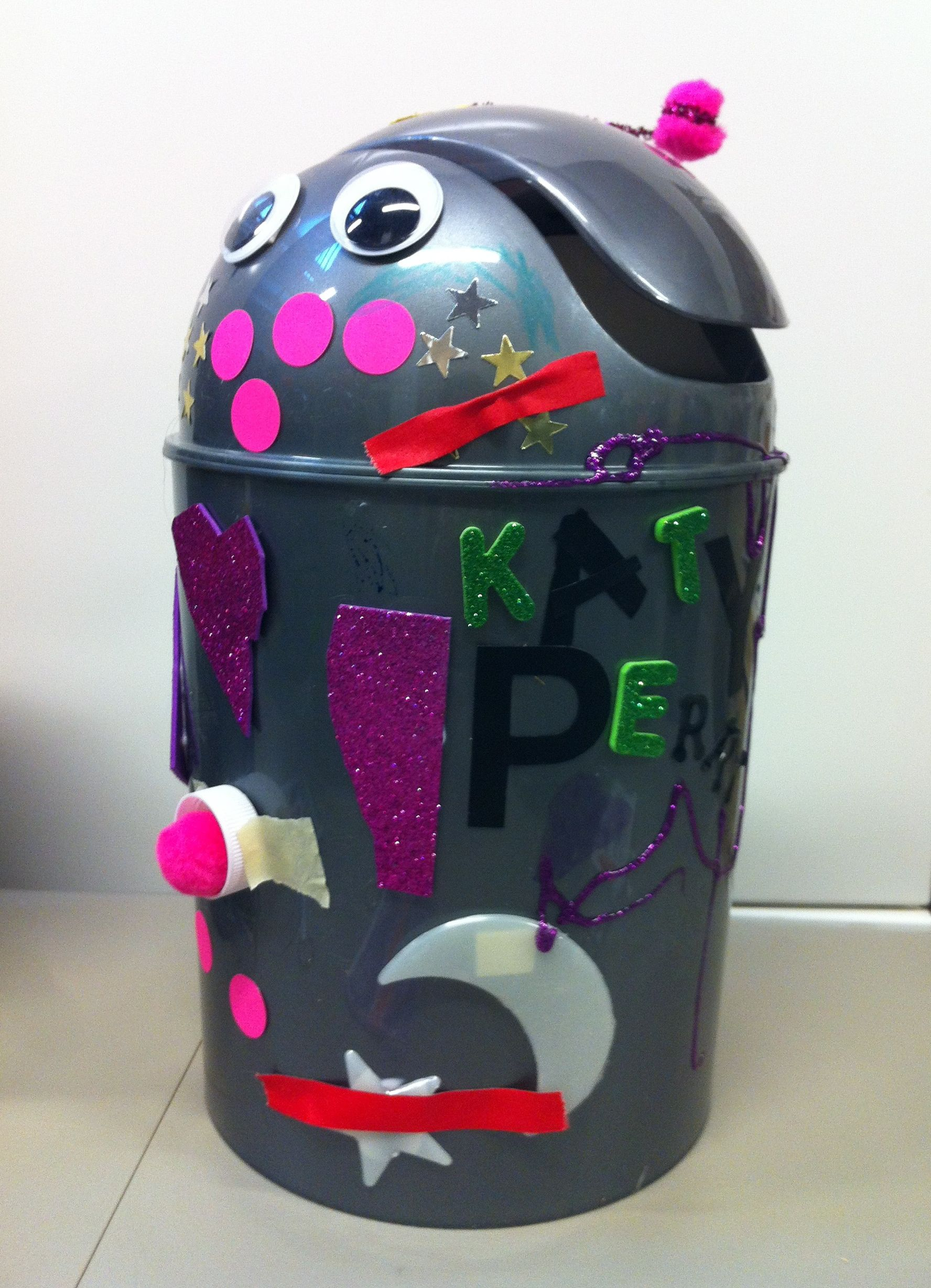 Fun Trash Can Katy Perry Robot Trash Can Robots Crafty Canning Fun Crafts