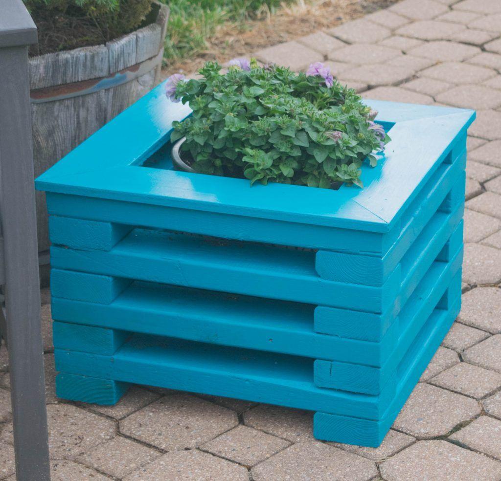 Easy To Make Diy 2X4 Wood Flower Planter 2X4 Wood 400 x 300