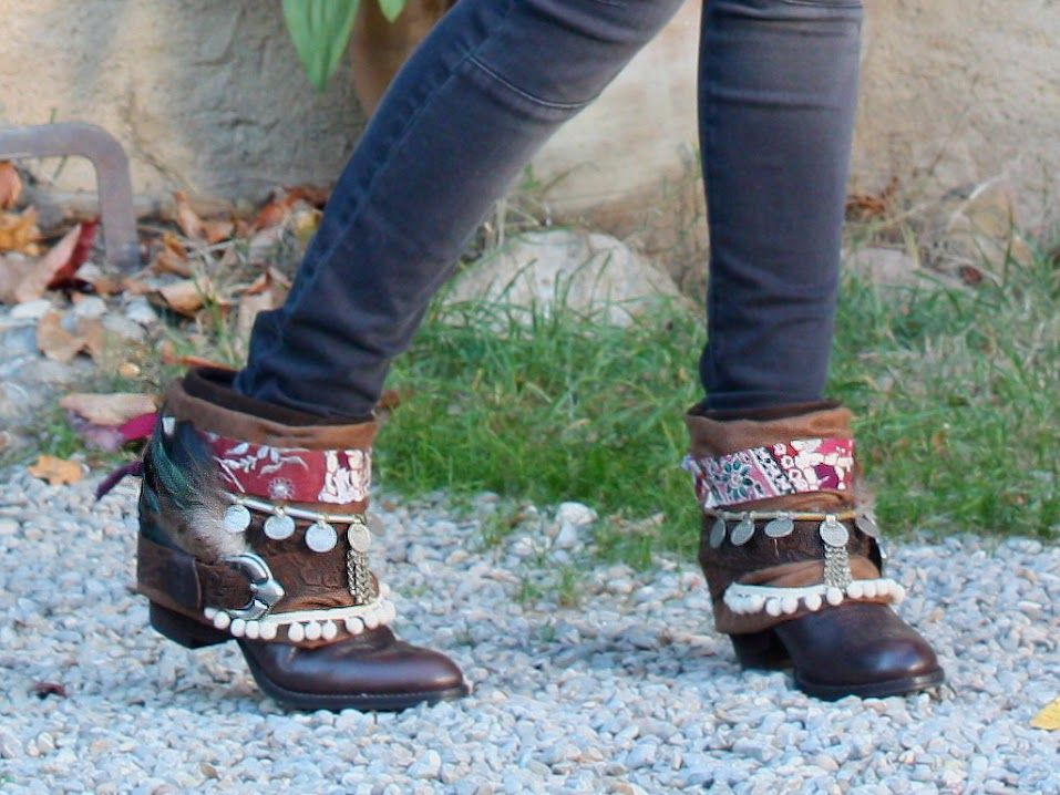 Tribal Layer / Layerboots / Photos by Nadia Tremoulet /Location Can Sort (Girona) / Boots, boho boots, handmade, bohemian style, fashion, Tribal, wild, feathers, fringe, India. Layerboots New Collection