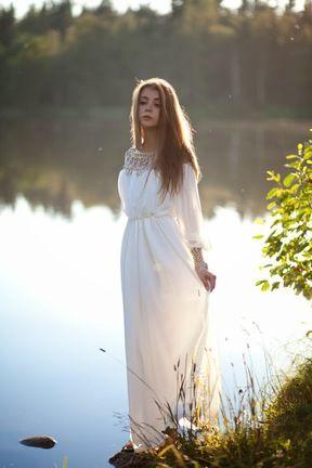 Vestido gasa plisado cuentas manga larga-blanco