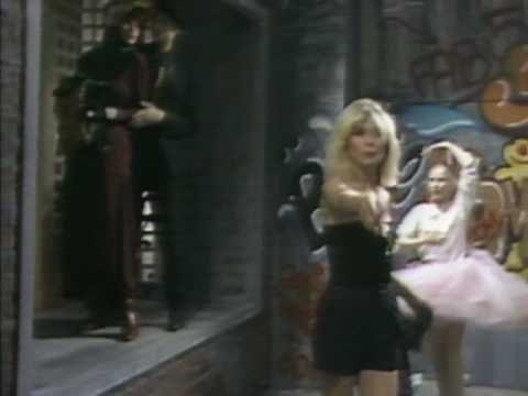 ▶ Blondie - Rapture - creative stuff when Blondie met  hip-hop pioneers Fab Five Freddy and Grandmaster Flash in 1980s NYC