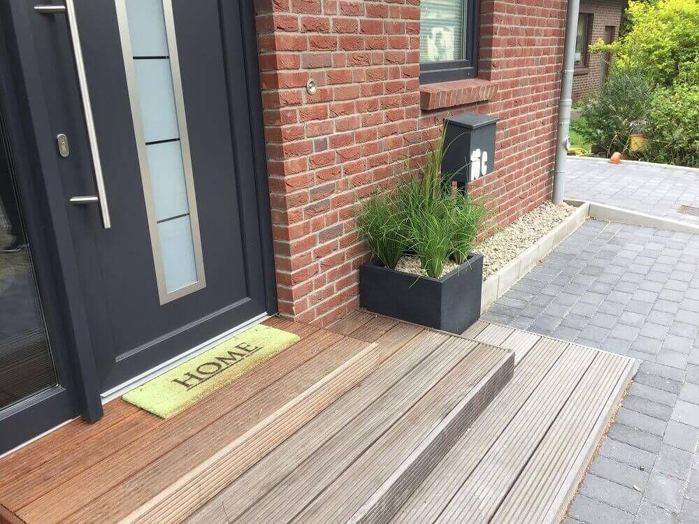 Eingangsbereich Kunstpflanzen Hauseingang Vers In 2020 House