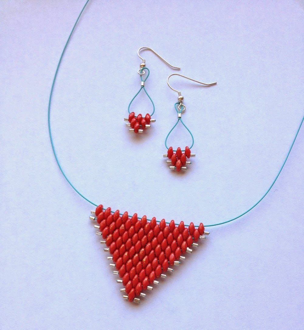 SoftFlexGirl: Tutorial Tuesday - SuperDuos and Soft Flex Woven Triangle Necklace