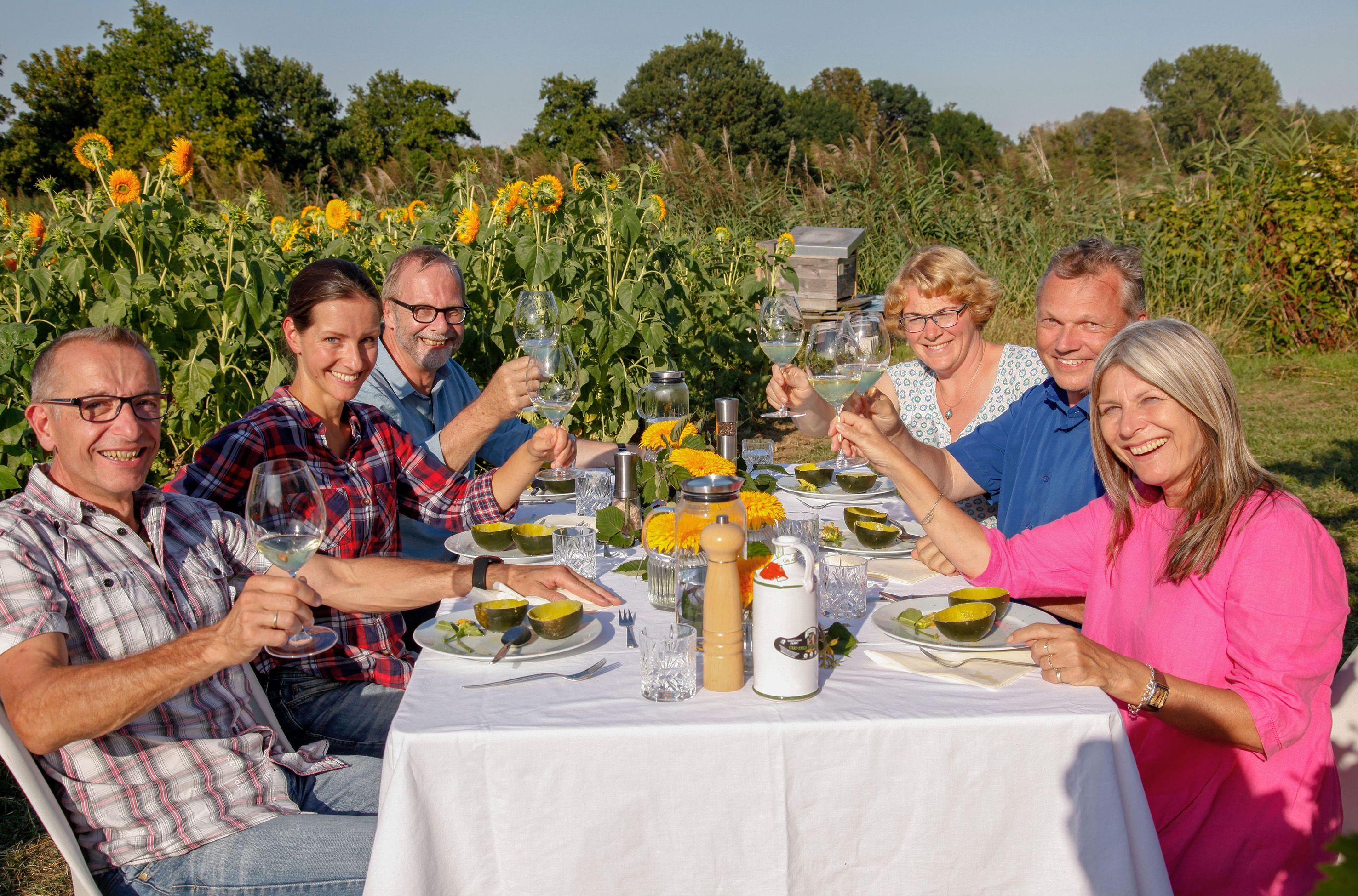 Mein Leckerer Garten Neue Staffel Der Swr Sommersendung In 2020 Land Und Lecker Garten Kuche Lecker