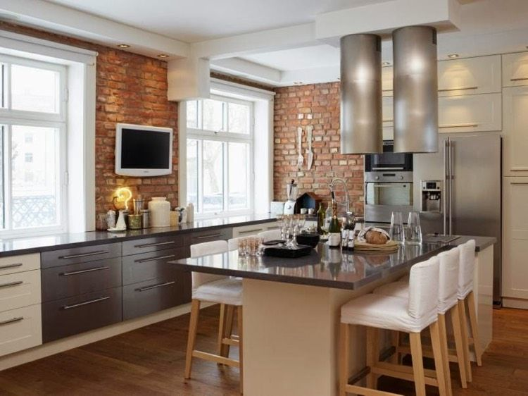 mur en brique cuisine blanc gris ilot central - Cuisine Blanc Mur Gris