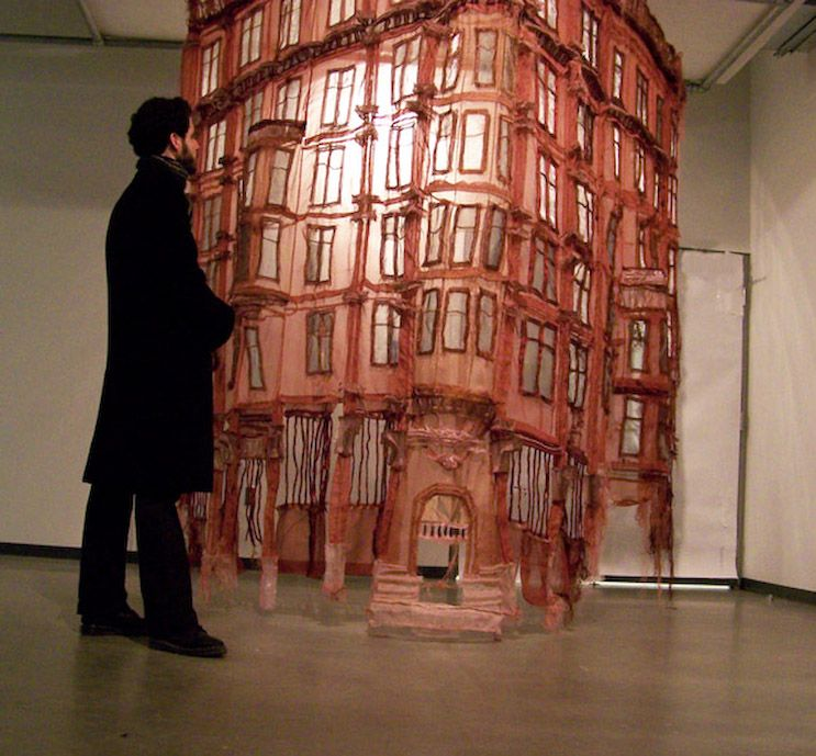 JANNICK DESLAURIERS _ Phantom of the hotel queen. From 2006 to 2007. textile installation. 144'' x 48'' x 24'' - 367x121x, 61cm