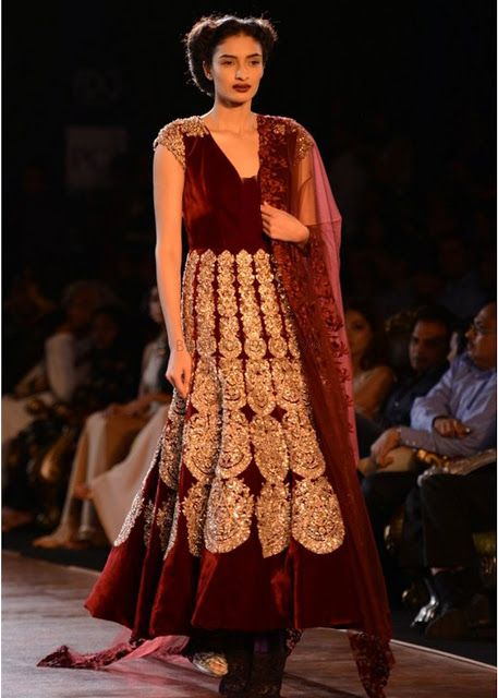 Fashion: Manish Malhotra's collection at Delhi Couture Week 2013