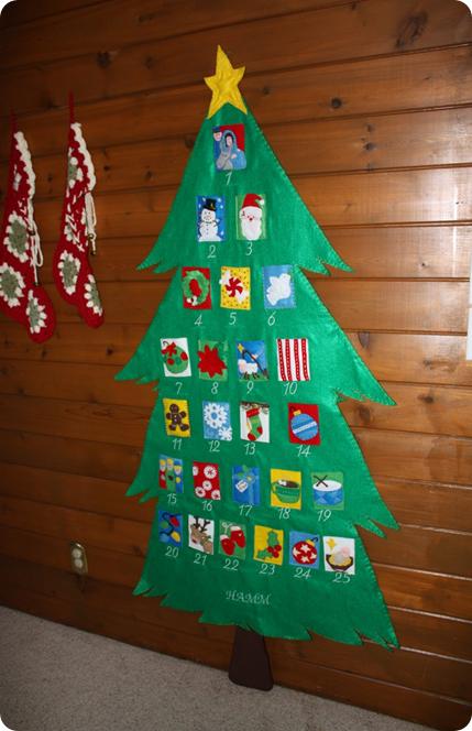 Felt Christmas tree.   preschool lessons   Pinterest   Felt ...