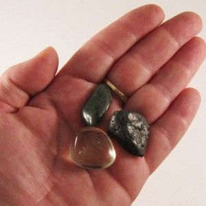 Healing Crystals in Your Pockets: How to use Pocket Rocks | Crystals