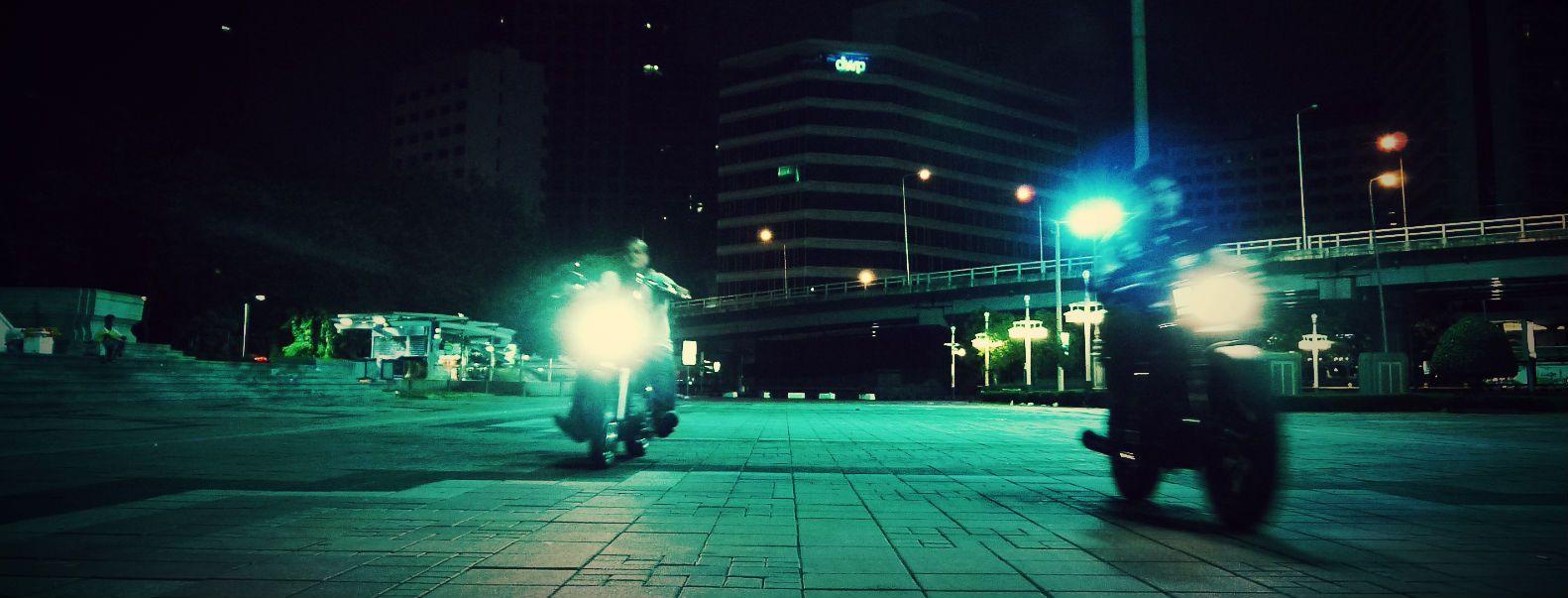 #BangkokNightLife #SiameseMotorcycles #MidnightRun