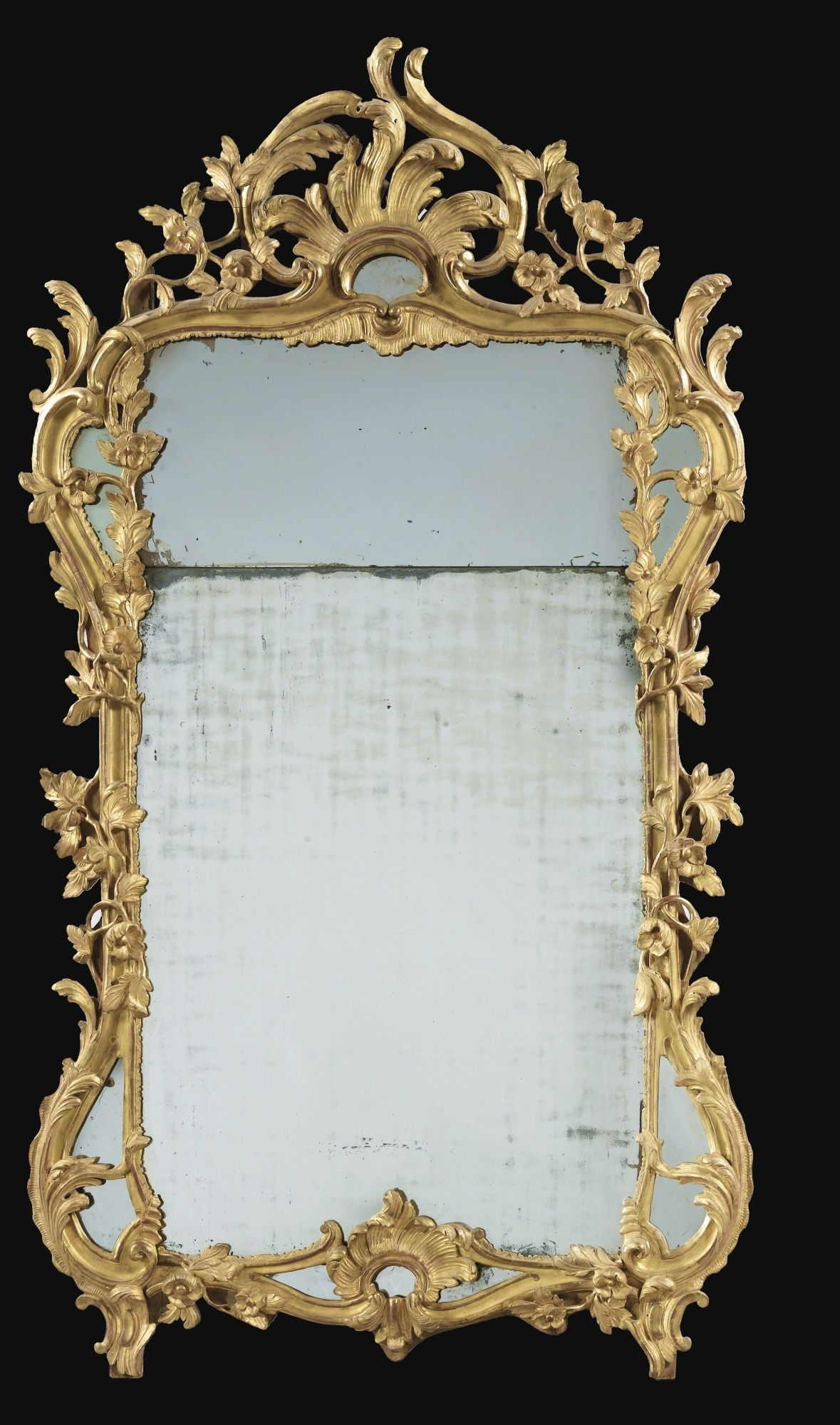 Date Unspecified A CARVED GILTWOOD MIRROR LOUIS XV Estimate 7000 10000 EUR 9135