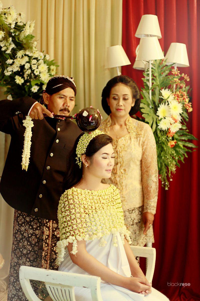 SIRAMAN culture java ceremony wedding color