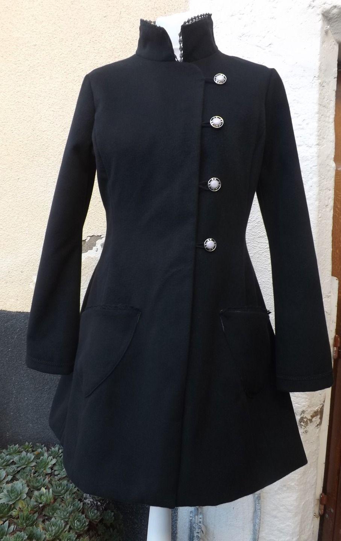 Manteau féerique burlesque noir doublé création unique : Manteau, Blouson, veste par sanlivine http://sanlivine.alittlemarket.com