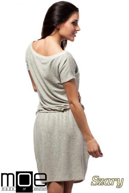 3e72df5a5c Damska sukienka przed kolano z kieszeniami naszytymi po bokach  wyprodukowana przez MOE.  cudmoda  moda  styl  ubrania  odzież  clothes   sukienki