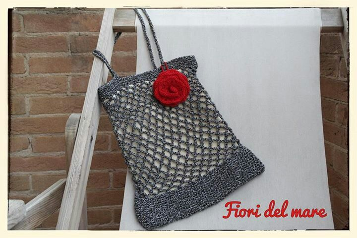 Red passion crochet bag