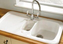 Nettoyer un évier en résine | Ménage | Evier en resine, Évier blanc ...