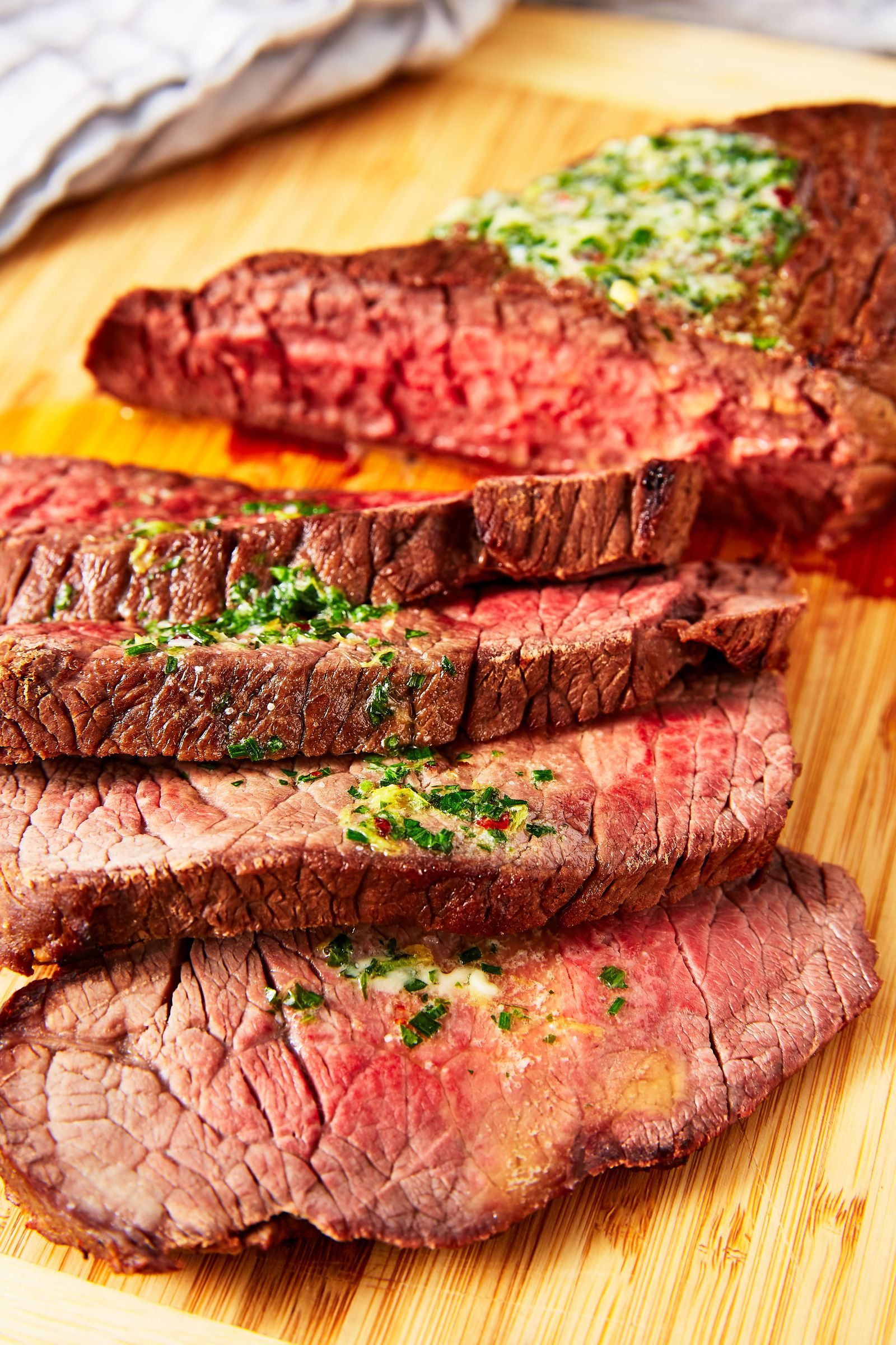 How to cook beef round steak on grill