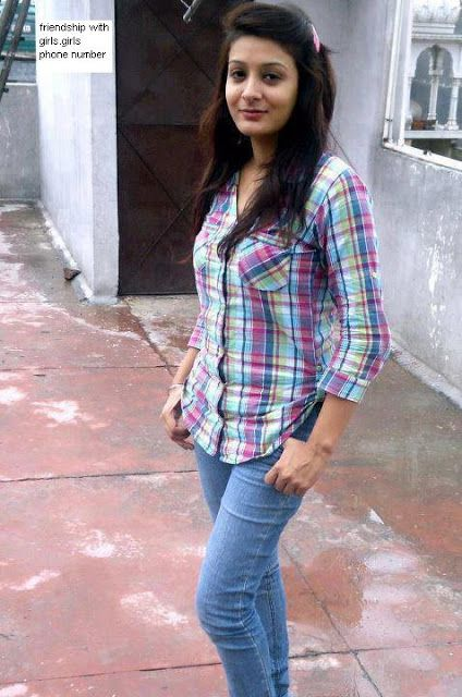 Lahore Punjab College Girl Wallpaper Share Your Cell Numbers With Punjab College Sargodha Girls