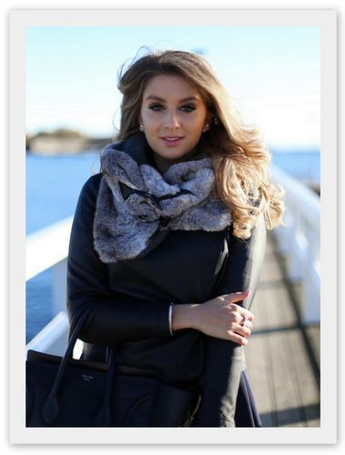 Scarf and sweater for the cold winter. #fashion #style