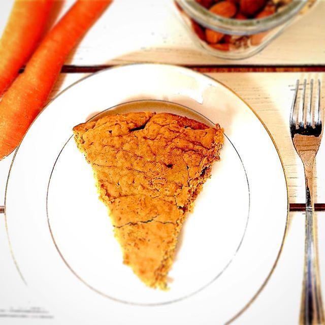 Torta di Carote Vegan😋🌾🍰scopri la ricetta➡️link in bio⬅️ #carrot #cake #vegan #organic #bio #wholefood #glutenfree #crueltyfree #sweet #dessert #foodpic #selfmade #lovefood #tasty #yummy #delicious #playinthekitchen #masterchef #love #vegan #liestyle #happy #vegangirl #instagood #photooftheday #me #funny #day
