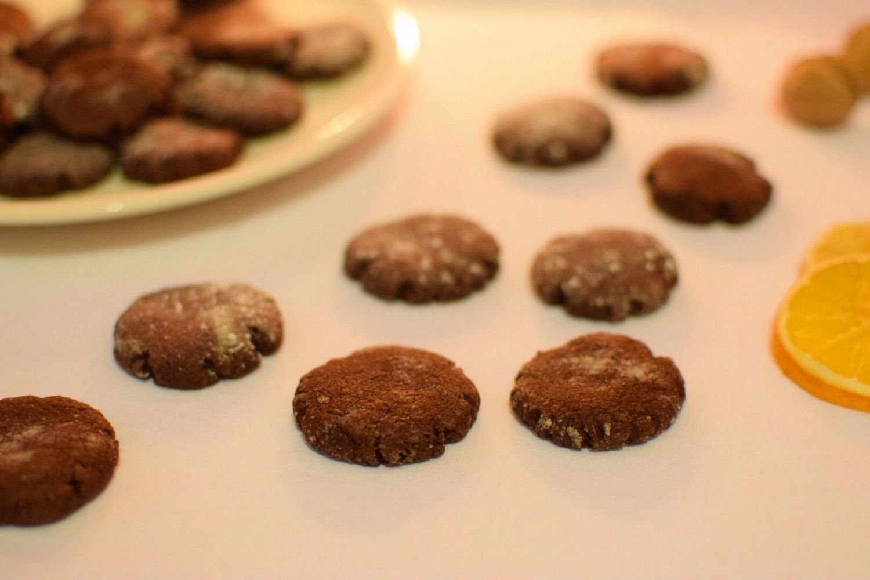 extra chocolate Christmas crinkles