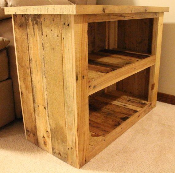 Reclaimed pallet wood furniture side table d coration int rieure mobilier de salon meuble - Meuble bar habitat ...