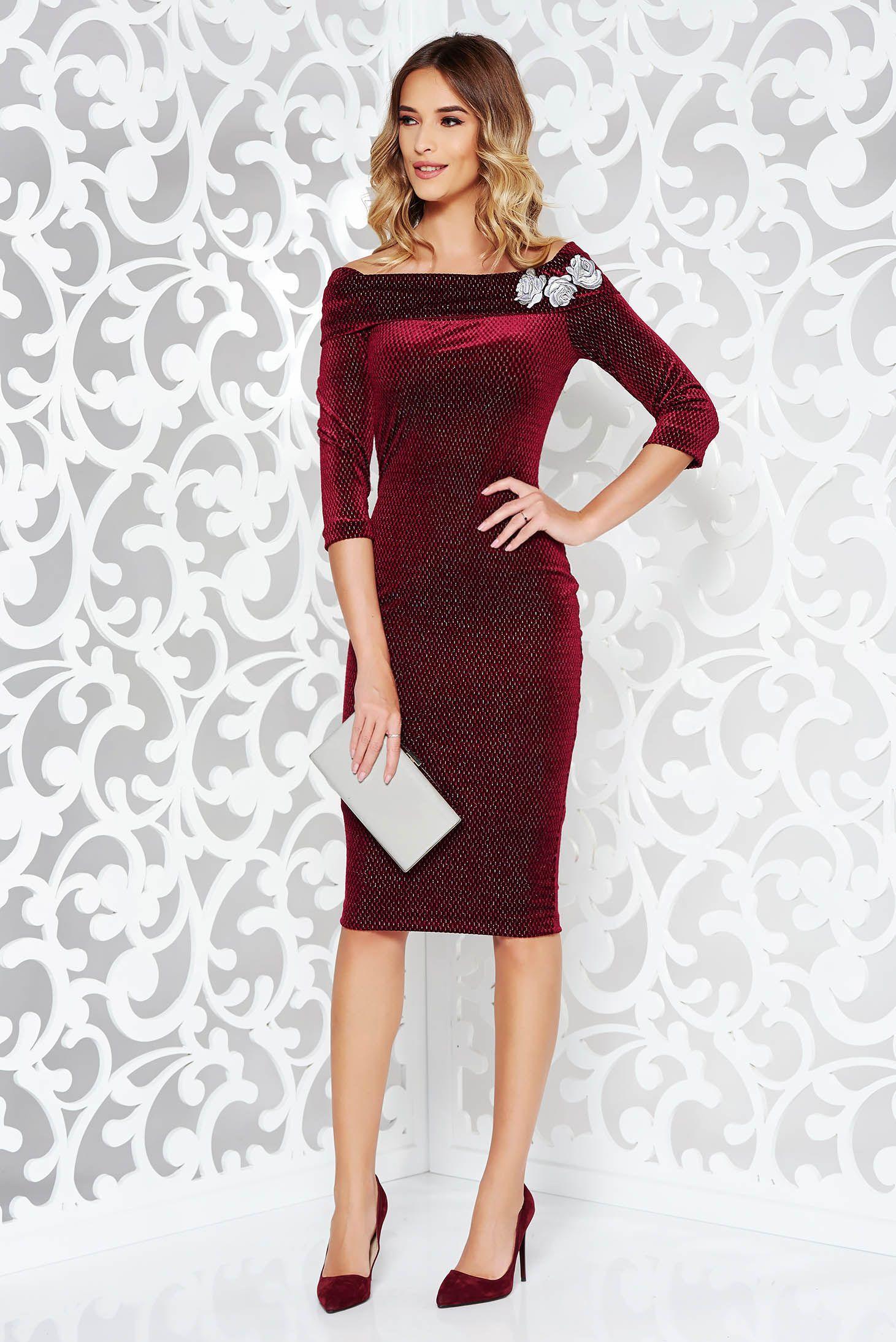 1cc22bc2ec Burgundy StarShinerS ruha alkalmi ceruza hímzett bársony váll nélküli lamé  szál. Alkalmi StarShinerS ceruza ruha