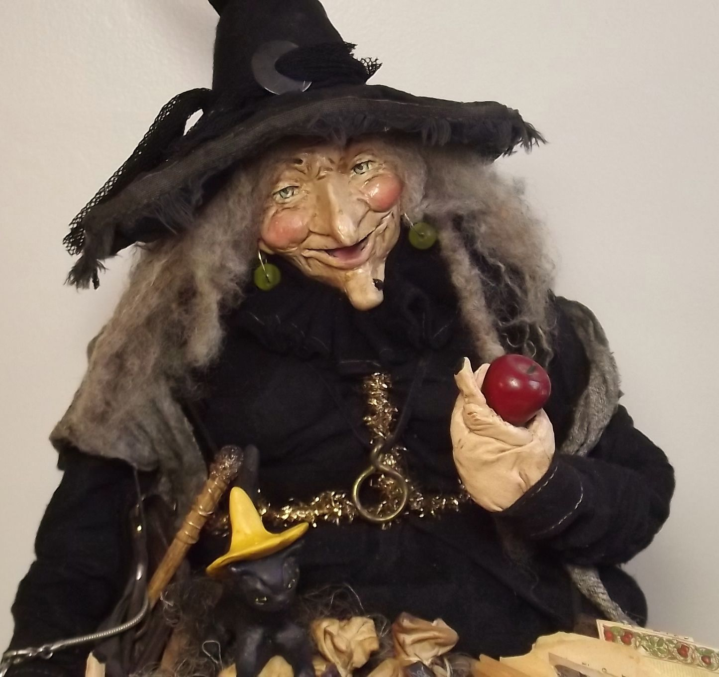 Handmade Primitive Witch By Kim Sweet~Kim's Klaus-29 inch Sitting Witch peddling her poison Apples