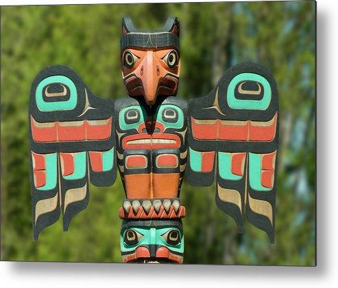 Eagle Eyes Totem Metal Print by Leslie Montgomery. #LeslieMontgomery #FineArtAmerica #Pixels #WallArt #PhotoAbstract #PhotoArt #TotemPole #Statue #Totem